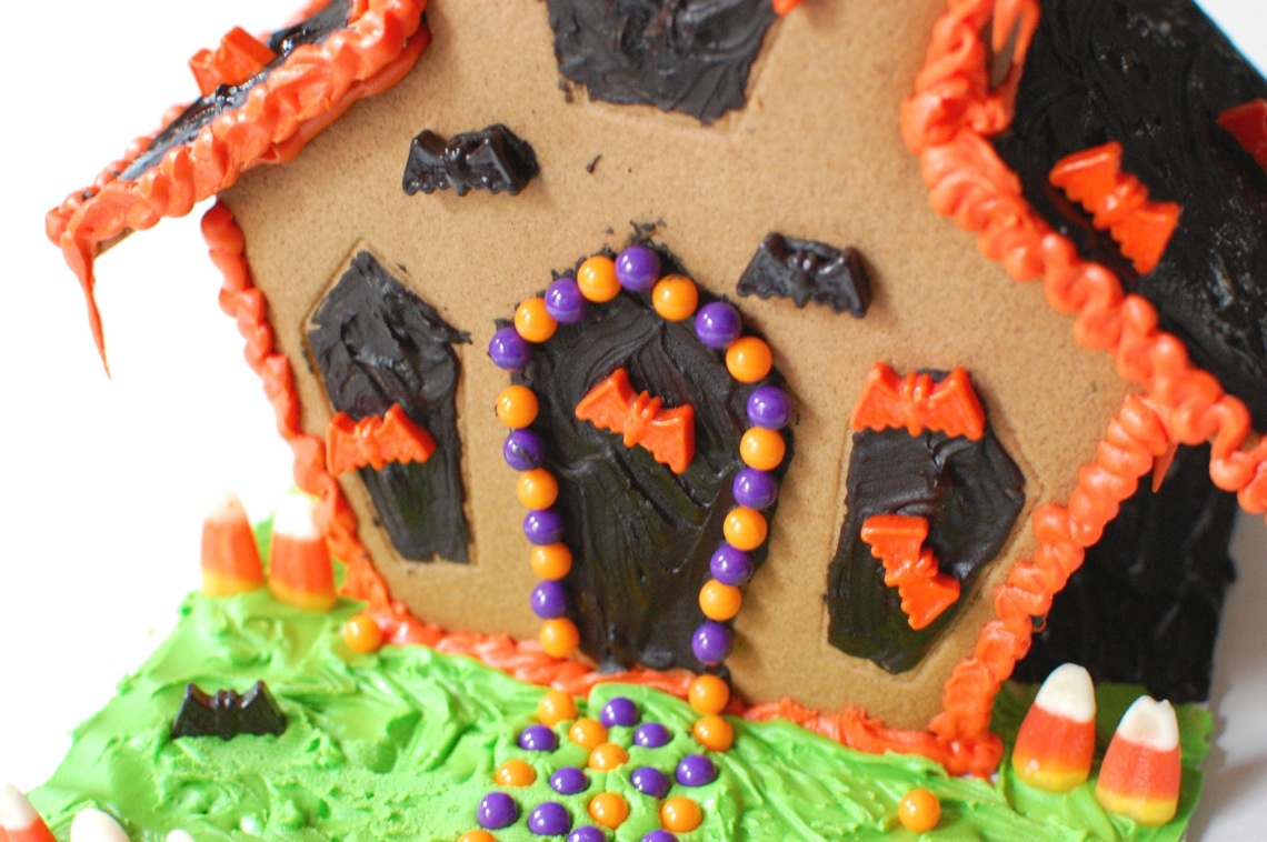 Darby Smart Gingerbread House