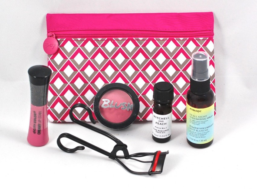 I M Loving All Of The Valentine S Day Slash Pink Themed Bo And Bags This Month So Y Festive February Ipsy Bag Was No Exception