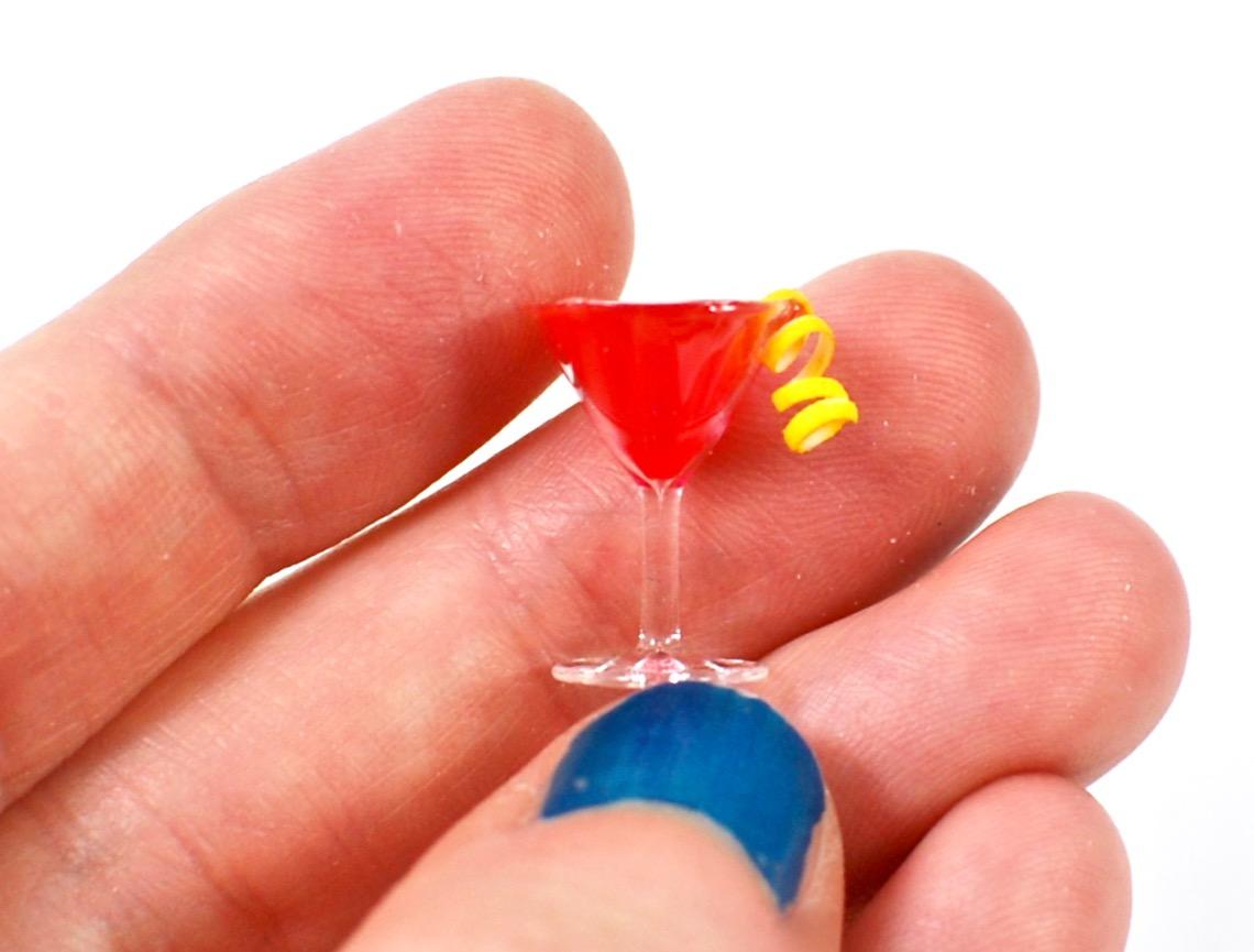 miniature cosmopolitan