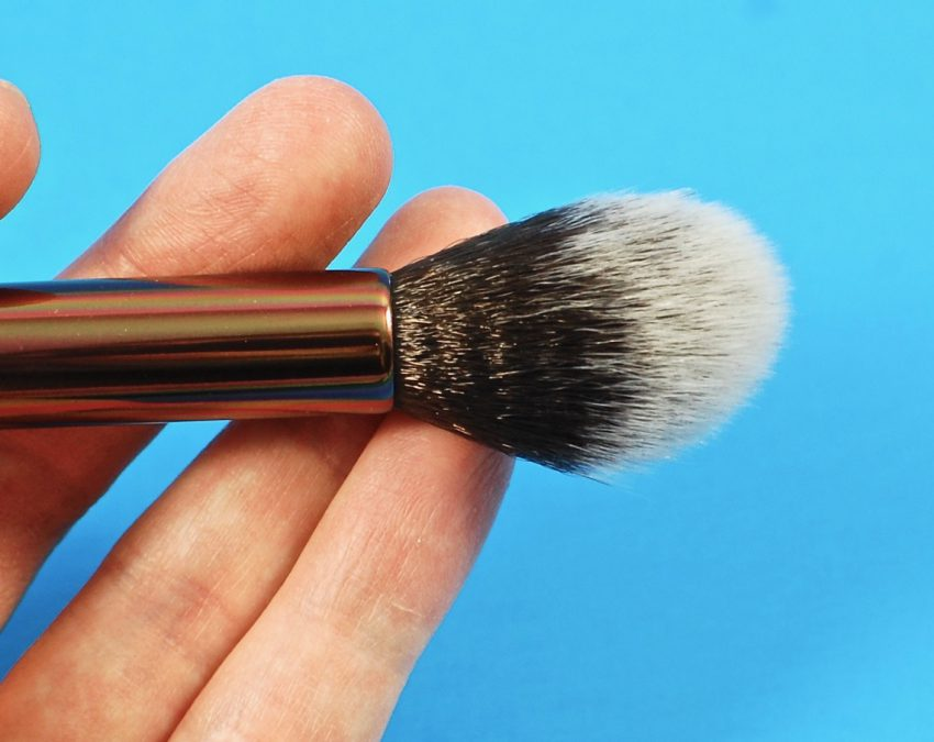 Luxie highlighting brush
