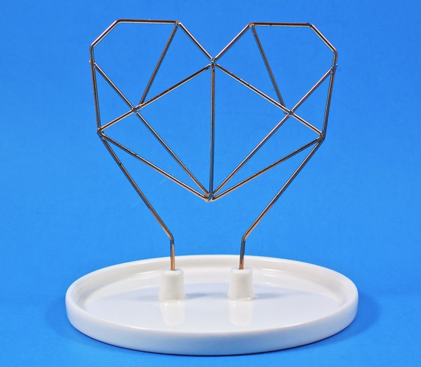 IMM Living heart jewelry holder